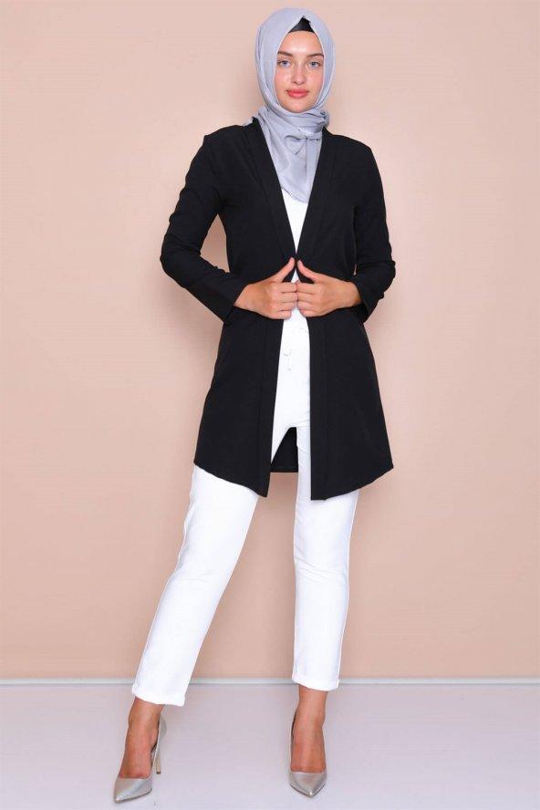 Pervazlı Uzun Siyah Ceket